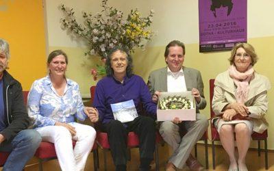 Donovan wird 70 Jahre und ein neuer Fan vom Friedenspalast in Erfurt